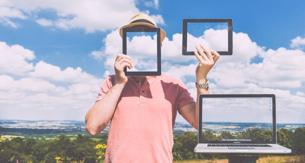 tua-identità-sul-web-articolo-di-approfondimento-sul-digital-marketing-Vanina-Basilli-copywriter
